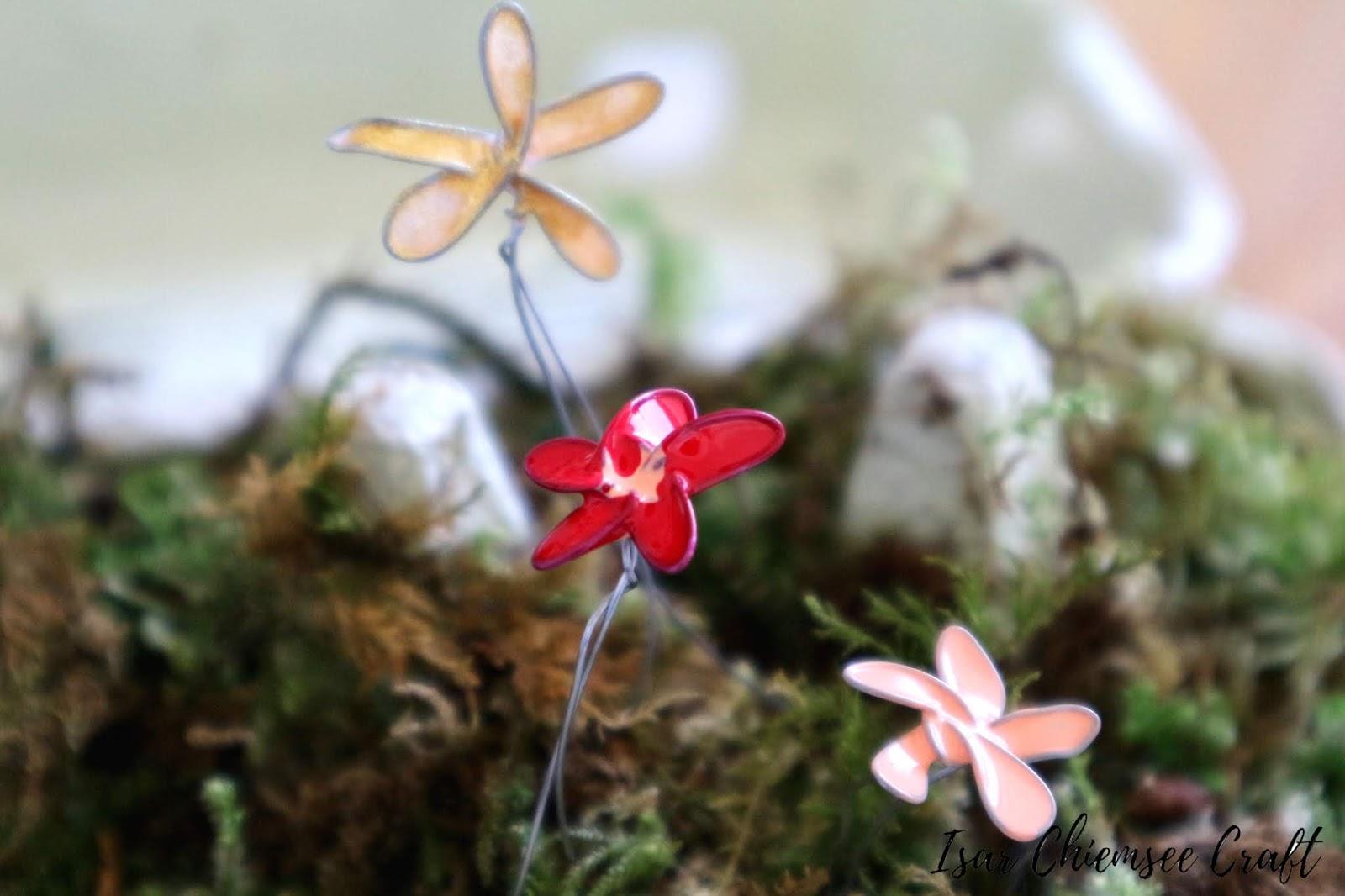 DIY mit Nagellack: dekorative Drahtblumen